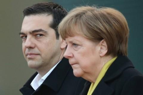 Merkel se apără în fața propriului partid, care nu îi susține politica proimigranți, cu declarații liniștitorare, dar care contrazic cifrele oficiale