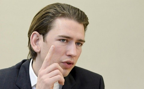 Cancelarul austriac, Sebastian Kurz, nu vrea să primească mai mulţi refugiaţi afgani