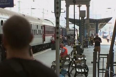 Gara din Budapesta, blocată de poliție. Niciun tren nu mai circulă spre Austria