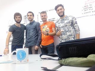 Patru studenţi din Cluj-Napoca au o aplicaţie care ajută restaurantele să găsească clienţi