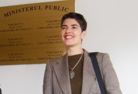 """Simona Niculescu: ,,De ce am plecat din Paris să vin tocmai în vârf de deal: uitaţi-vă la televizor!"""""""