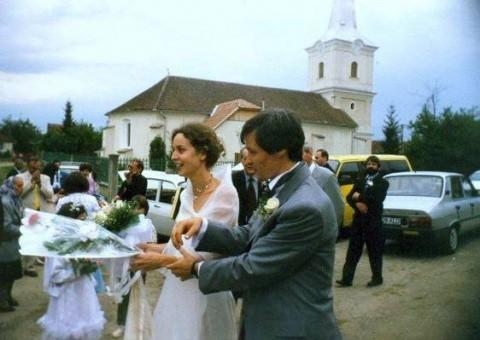 Cioloş s-a spovedit ortodox când s-a căsătorit la biserica din satul natal. Premierul nu a lămurit apartenenţa la MISA
