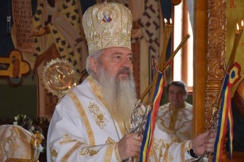 """Mitropolitul Clujului, în parohia """"Adormirea Maicii Domnului"""""""