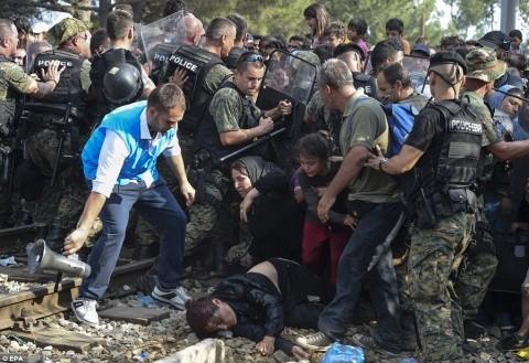 Gândire de Bruxelles: Croația, Macedonia, Grecia, Bulgaria și România vor deveni rezervații pentru refugiații musulmani