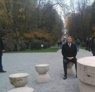 Iohannis. Dezbatere de unul singur