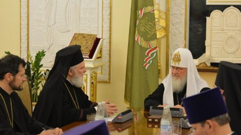 Întâlnire la Moscova între Patriarhul Kirill si Mitropolitul Nifon. PF Daniel l-a invitat pe Patriarhul Moscovei la București