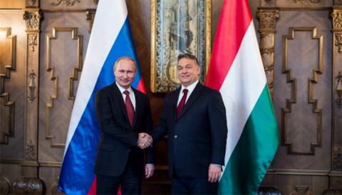 """Putin, după întâlnirea cu Viktor Orban: Ungaria este un """"partener de încredere"""" şi """"stabil"""". La București domină anarhia în stradă"""