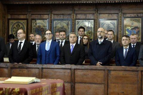 Afacerile lui Viktor Orban cu bisericile loiale din Ardeal. Prea multe investiții în cărămizi și prea puține în oameni