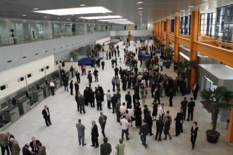 S-au reluat zborurile matinale între Cluj-Napoca și București
