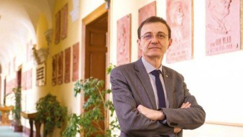"""Acad. Ioan-Aurel Pop, președintele Academiei Române: """"marea masă a acestui popor nu poate trăi în afara credinței"""""""