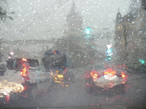 Poemul Zilei: Plouă la Cluj!