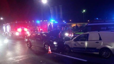 Două mașini s-au lovit frontal la Florești