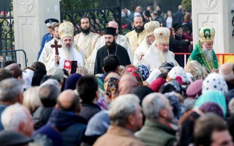 ÎPS Calinic propune ca racla cu moaștele Sf. Parascheva de la Iași să fie purtată într-un pelerinaj prin toată Moldova