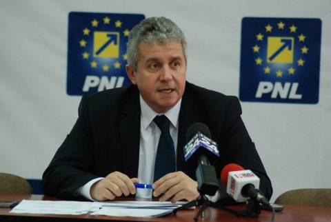 Conducerea liberalilor clujeni cere prefect PNL la Cluj. Există pericolul reactivării curentului naționalist