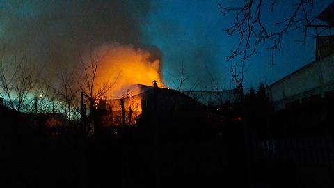 Incendiu uriaș pe str. Paris din Cluj-Napoca de Ziua Națională