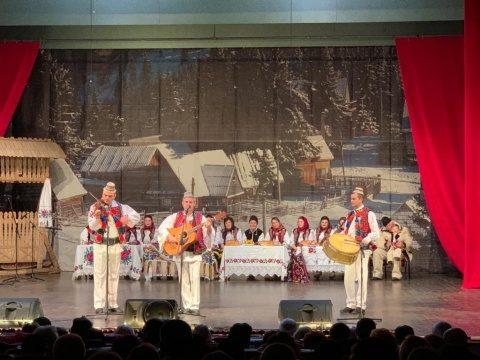 Colindul, folclorul și tradițiile, care unesc un popor, au fost prezentate într-un spectacol de excepție la Cluj-Napoca
