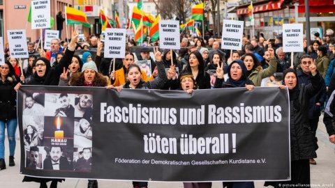 Locuitorii din Hanau au ieșit în stradă: 'Rasismul ucide'