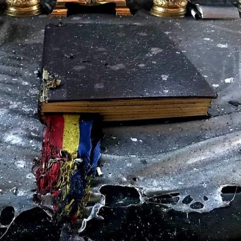 ISU: Nu au ars nici Biblia, nici Tricolorul…