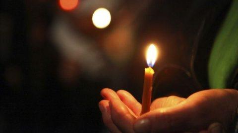 Patrarhia Română, anunţ pentru credincioşi: Cum va fi împărţită Lumina Sfântă de la Ierusalim