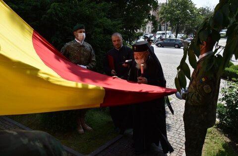 """IPS Andrei, la Ziua Drapelului Național: """"sub flamura Tricolorului trebuie să se adune laolaltă toată națiunea română"""""""