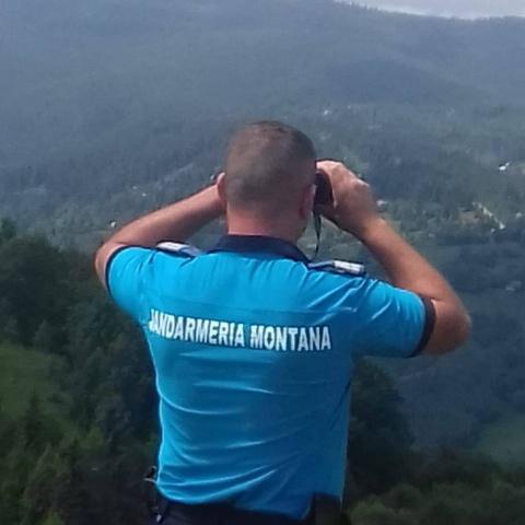 Persoane salvate de jandarmii clujeni după ce s-au rătăcit pe munte