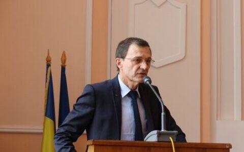 Președintele Academiei Române, Ioan Aurel Pop, prezent la deschiderea anului universitar. Are un basorelief cu chipul său