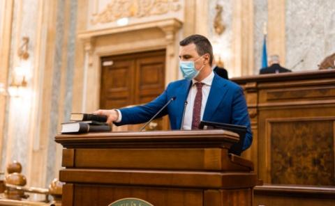 Viitorul ministru din Guvernul PNL-USR-PLUS-UDMR a jurat pe biblia în maghiară pentru dezmembrare teritorială