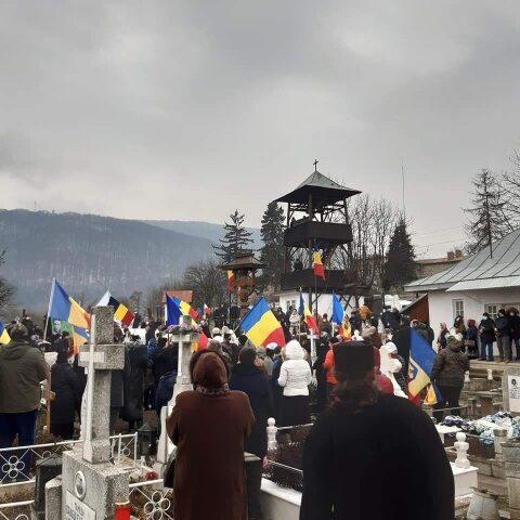 Sute de români la celebrarea Sfântului Închisorilor de la Târgu Ocna