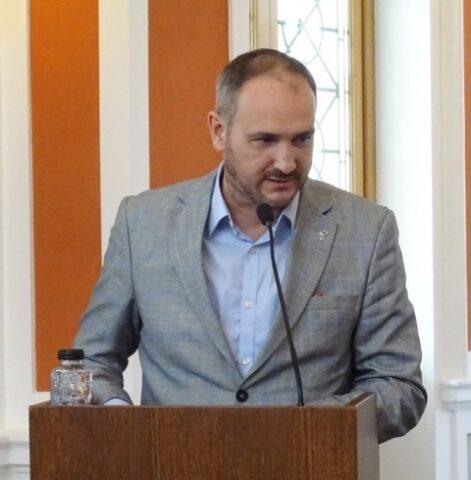 """Resurecția prozei scurte ce face un """"Zgomot de sticlă spartă"""" la I. Pavel Azap"""