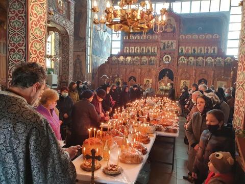 Clujenii au ridicat parastase în bisericile din Cluj-Napoca de Sâmbăta lui Lazăr