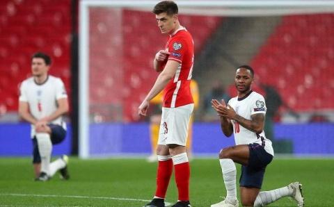 """Jucătorii polonezii nu au îngenuncheat la meciul cu Anglia după  """"Black Lives Matter"""""""