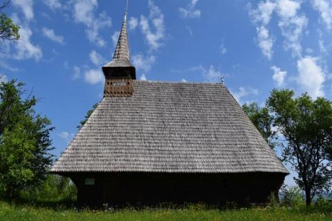 Biserica de lemn, monument istoric, din localitatea clujeană Vechea