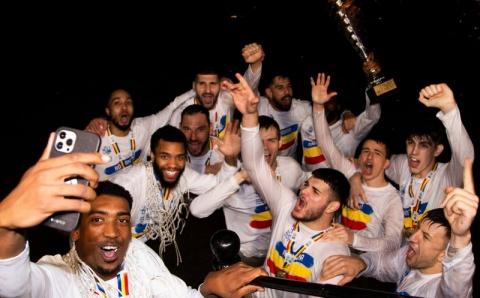 Echipa U BT a făcut baie în Someș după câștigarea campionatului