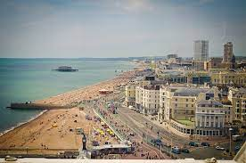 Toalete pentru toți – soluție pentru minorii care nu își cunosc sexualitatea la Brighton, Anglia