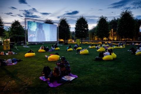 Movie Nights în Iulius Park