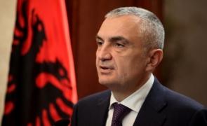 Presedintele Albaniei destituit că s-a implicat în campania electorală.Lecție de democrație