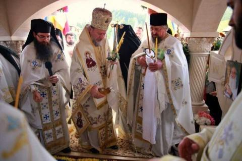PS Emilian la pomenirea de 8 ani a Părintelui Iustin Pârvu: L-a iubit pe Dumnezeu din toată ființa lui