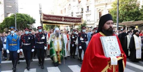 Zeci de mii de sârbi au participat la procesiunea de Înălțarea Domnului condusă de Patriarhul Porfirie