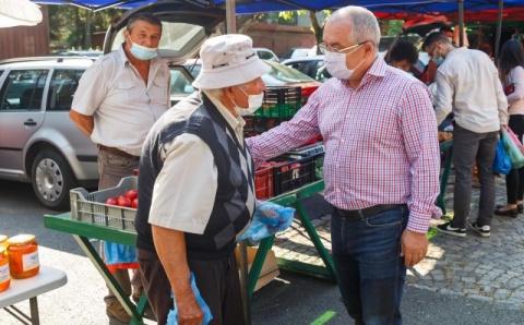 Primarul Emil Boc a vizitat piața volantă din cartierul Gheorgheni