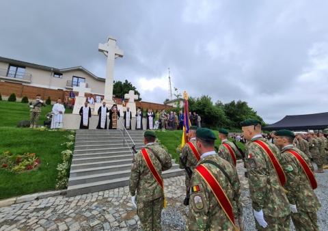 IPS Andrei, slujire arhierească la Mănăstirea Feleacu și sfințirea Monumentului Eroilor din Dealul Feleacului