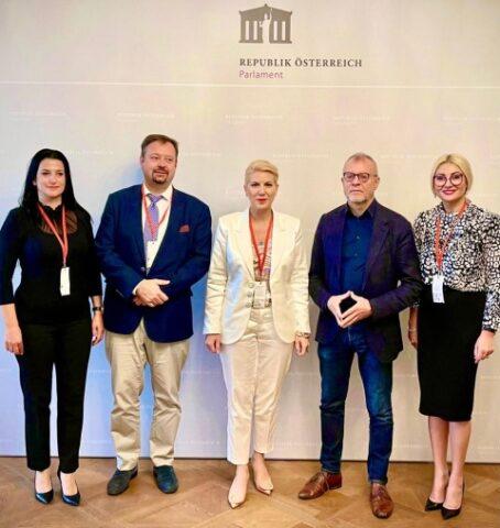 """""""Pactul pentru Educație Antreprenorială"""" la Parlamentul Austriac. Cristina CHIRIAC: """"Învățământul profesional: oportunitate, nu inconvenient"""""""