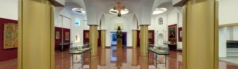 Statuia domnitorului Ștefan cel Mare și Sfânt de la Muzeul Mitropoliei Clujului