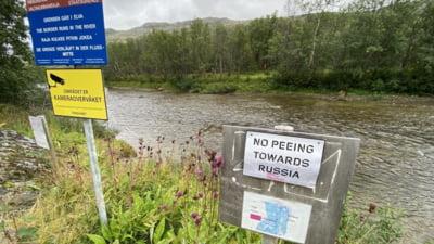 """Semn cu îndemnul """"Nu urinați spre Rusia"""" a fost amplasat la granița dintre Norvegia și Rusia"""
