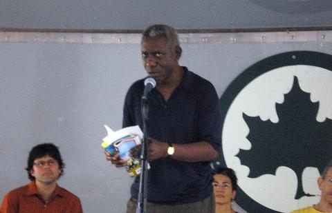 Poetul american Yusef Komunyakaa a fost recompensat cu premiul literar Herbert