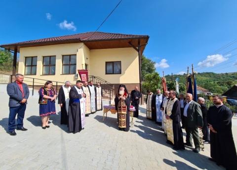 Monumentul Eroilor și casa parohială din Așchileu Mare, binecuvântate de Mitropolitul Clujului