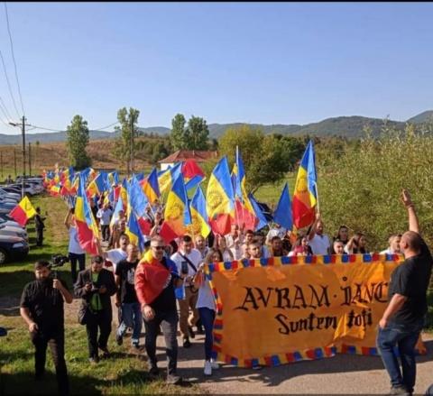 Poza Zilei: Români la Țebea