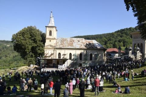Sărbătoarea Nașterii Maicii Domnului, la Mănăstirea Nicula. Tunderea în monahism a părintelui Chiriac Bărăian