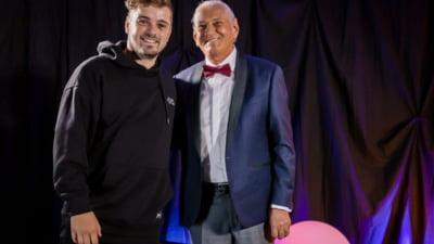 Recital de excepție susținut de Gheorghe Zamfir la UNTOLD. Martin Garrix a ținut să se întâlneasca cu maestrul naiului