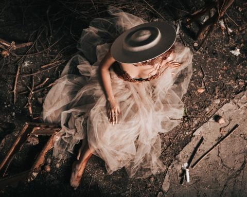 Expoziție de pălării unicat la Cluj, în memoria designerului Brigitta Dachmann
