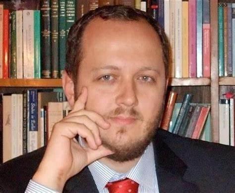 Intelectualul clujean Adrian Papahagi critică propunerea USR la ministerul Culturii: tovarășa Iulia Popovici